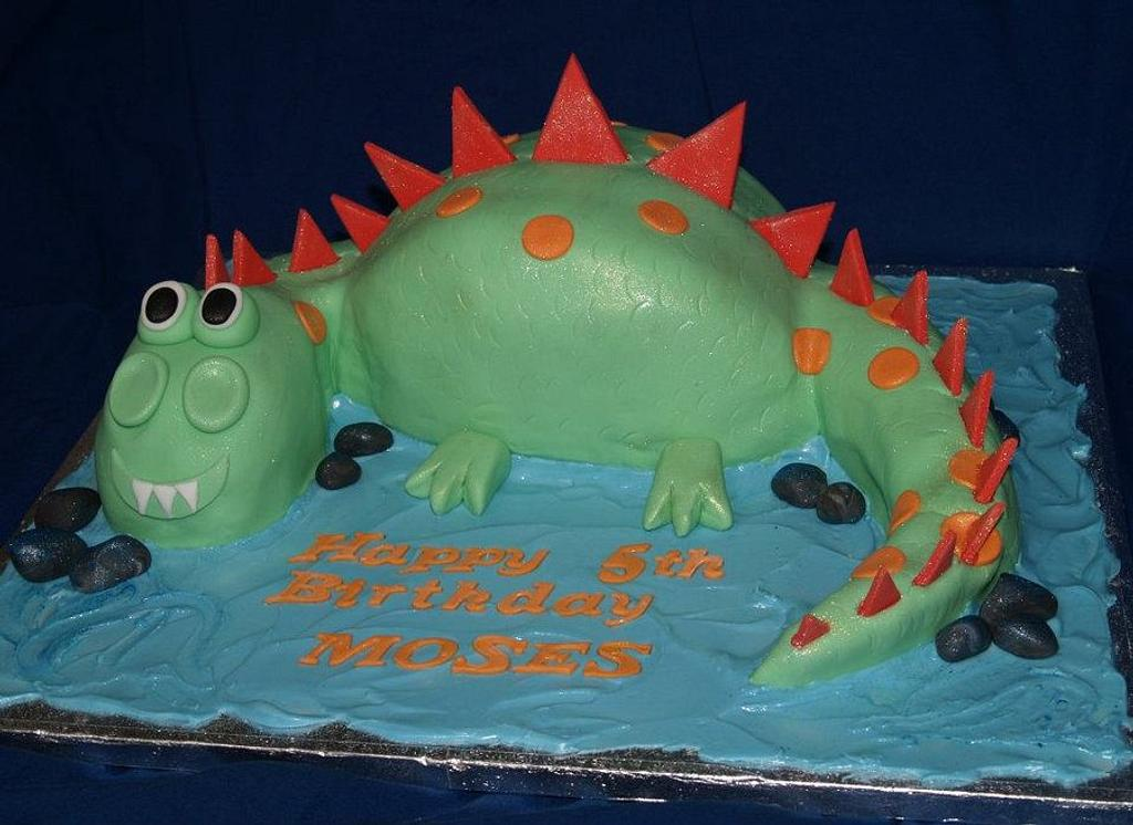 Dinosaur by Sandra's cakes