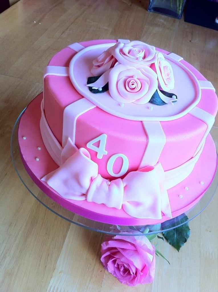 40th Roses Cake by GazsCakery