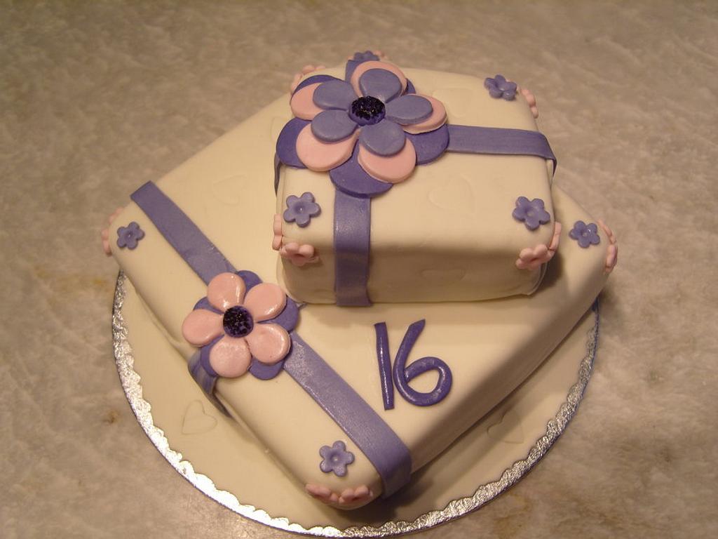 16th Present cake by Niknoknoos Cakery