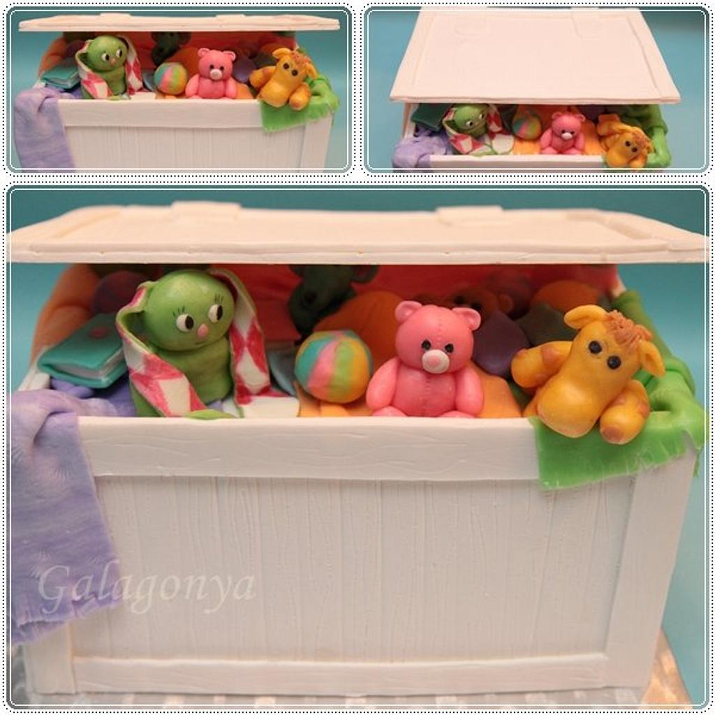 Toybox cake by Galagonya