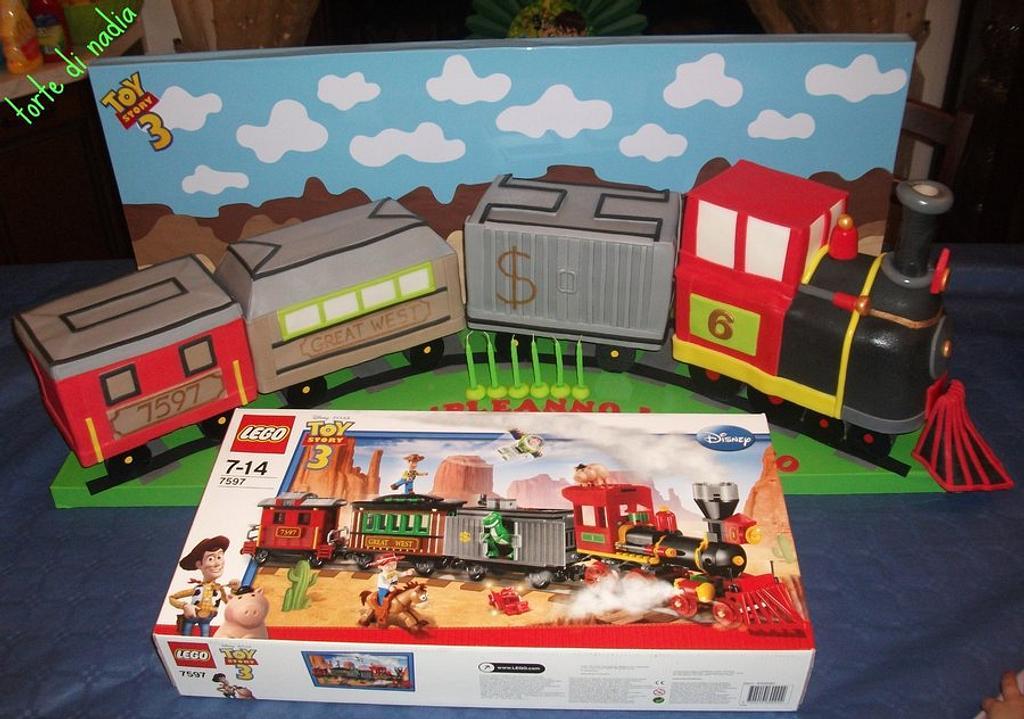 lego train by tortedinadia