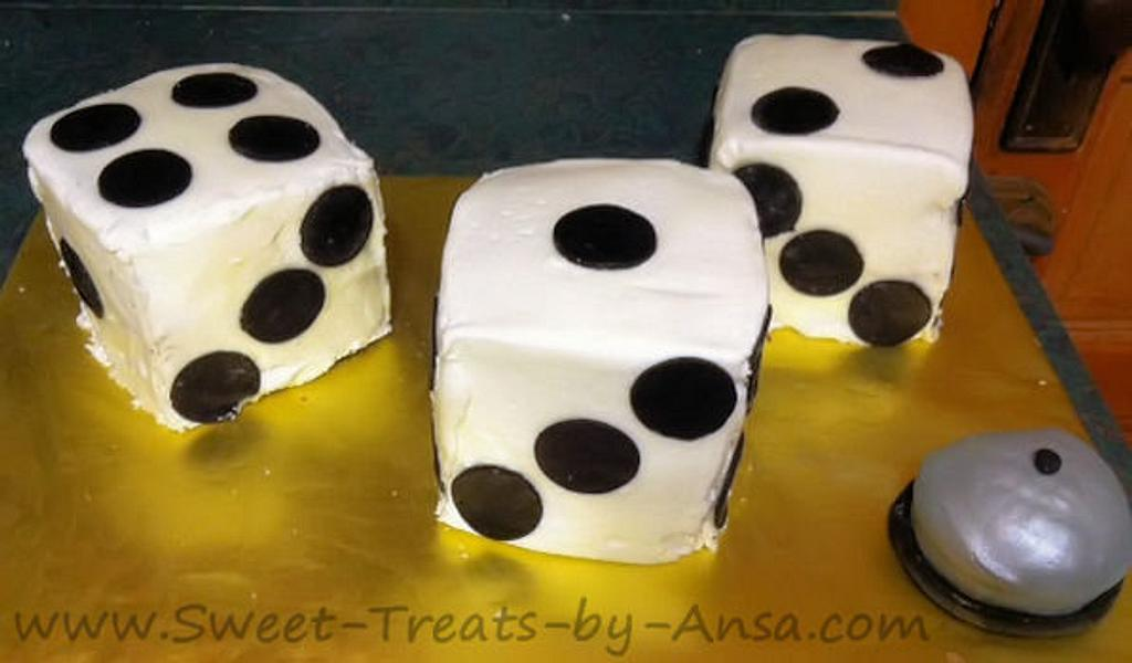 Bunco Mini Cakes by Ansa