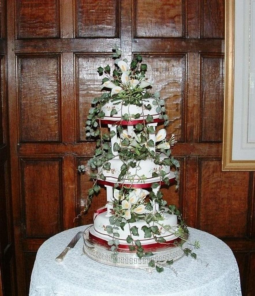 Cascading flowers wedding cake by Iced Images Cakes (Karen Ker)