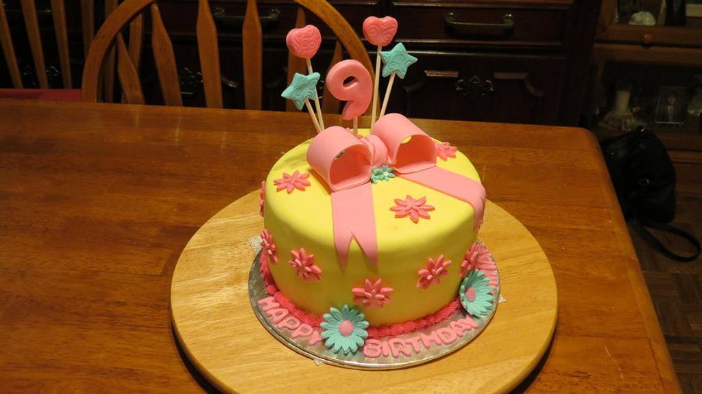 Girls Birthday Cake by Vilma