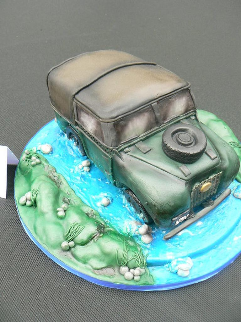 Landrover Cake by FANCY THAT CAKES