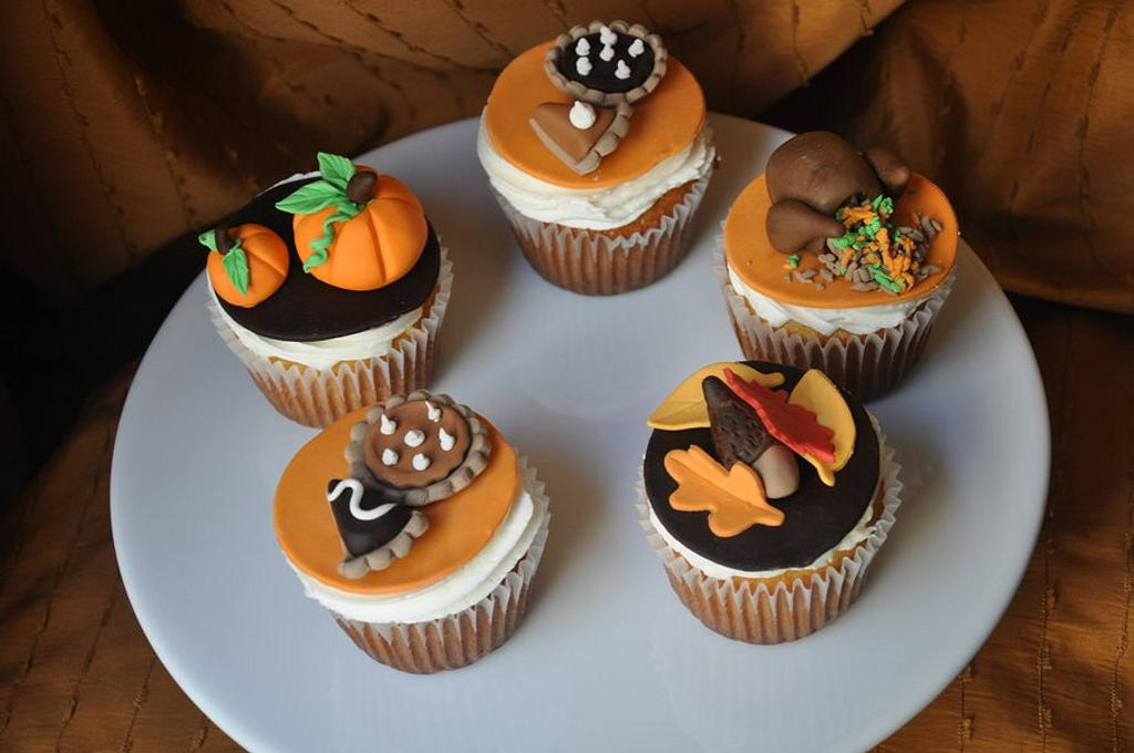 Thanksgiving cupcakes . by cakeImake