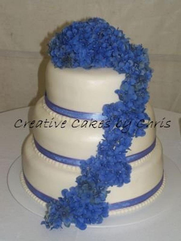 Hydrangea and fondant wedding by Creative Cakes by Chris