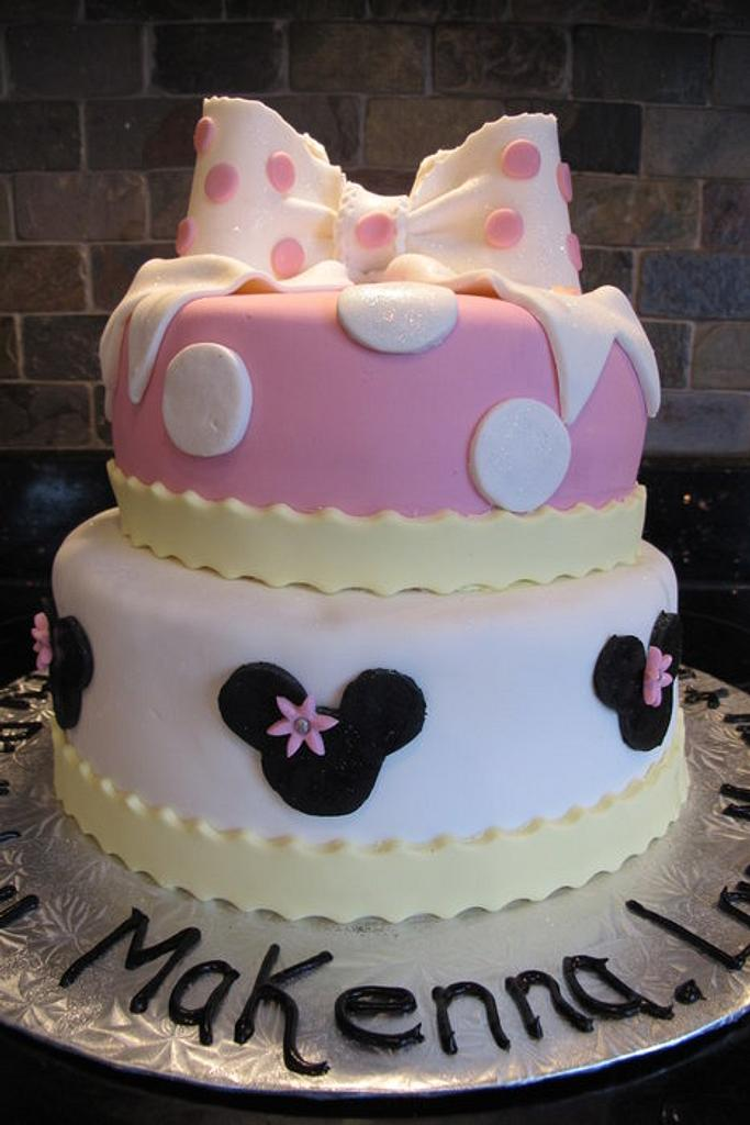 Mini Mouse  by Sharon