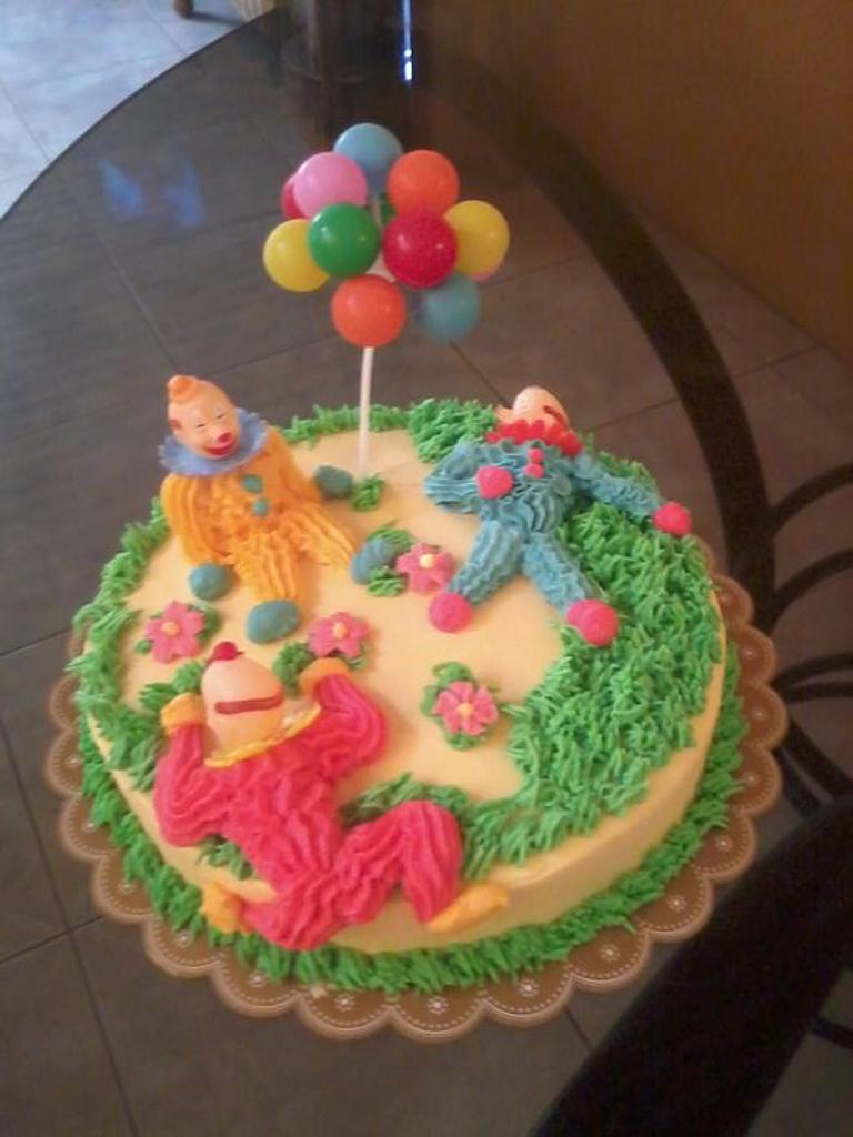 clown cake by lot
