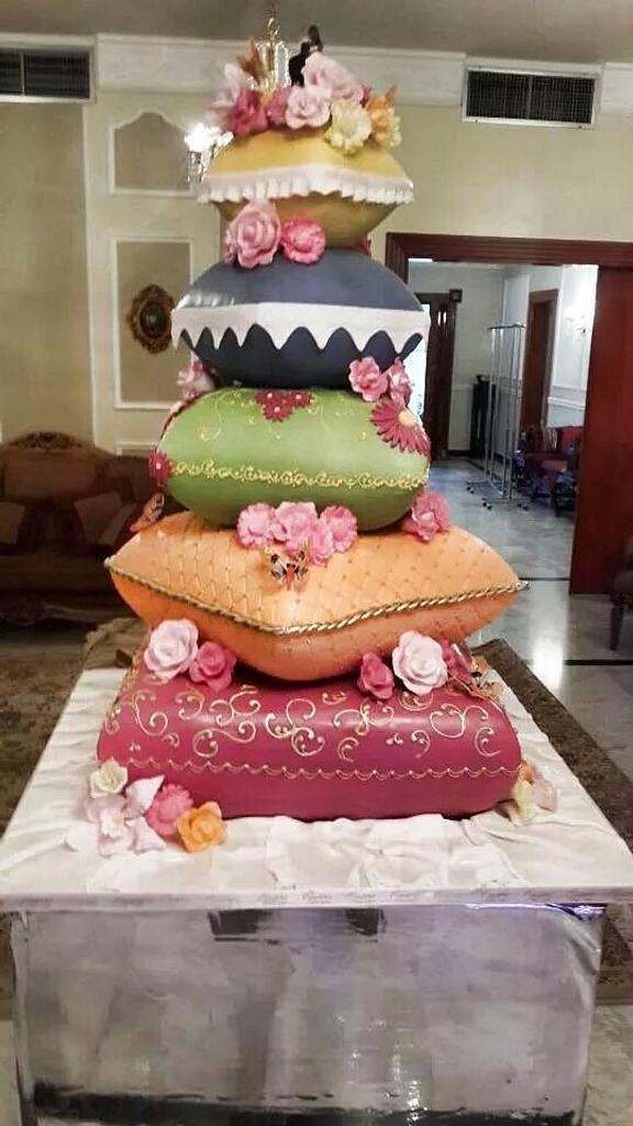 wedding cake by OperaKuwait