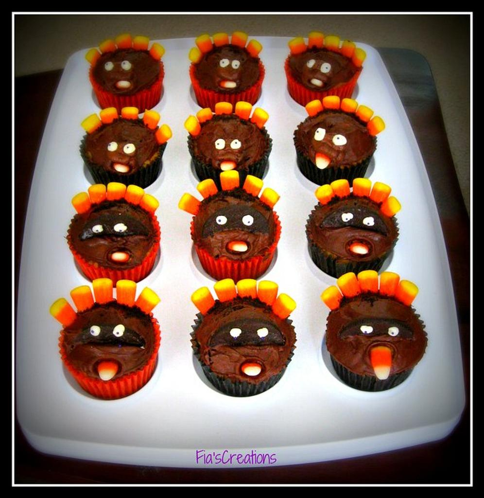 Thanksgiving Cupcakes by FiasCreations