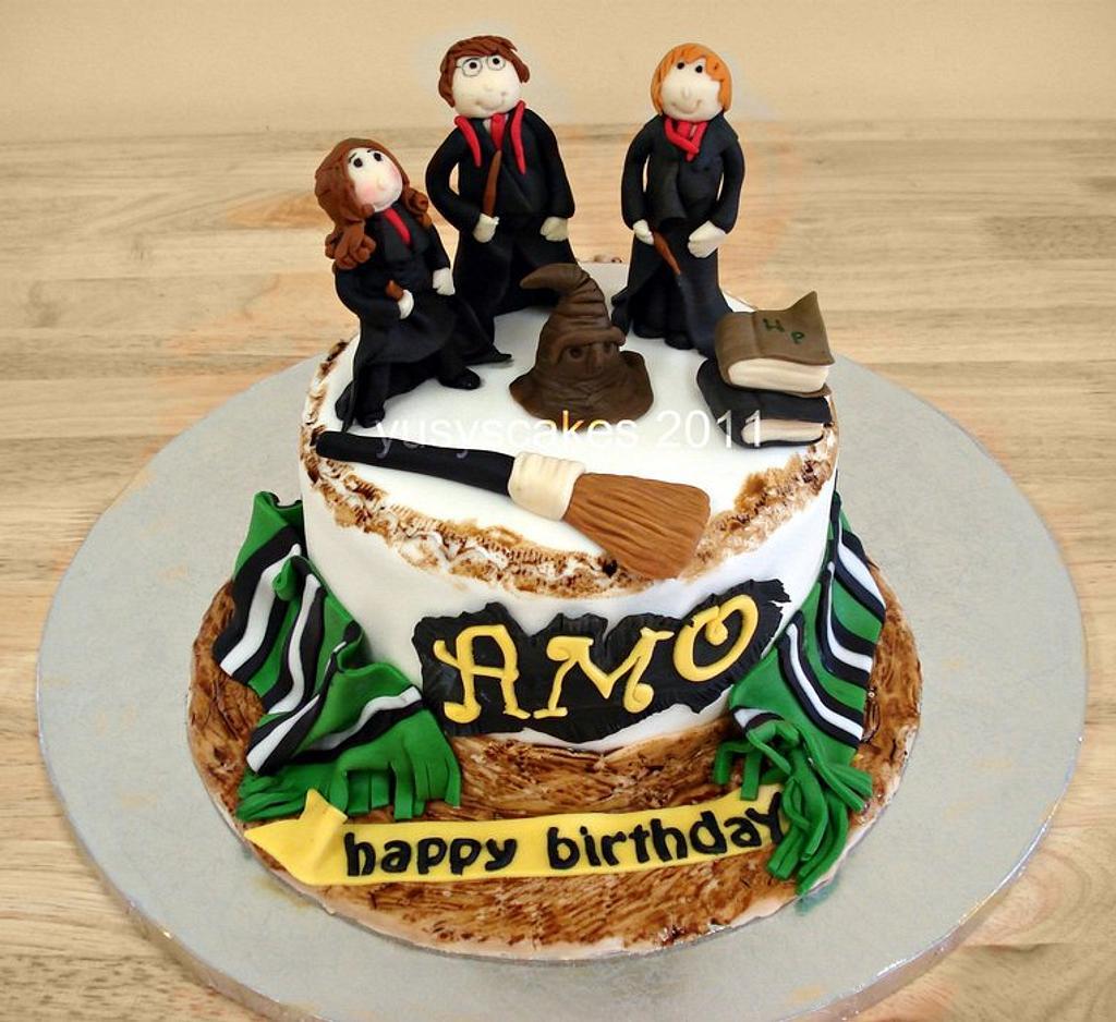 Harry Potter Cake by Yusy Sriwindawati