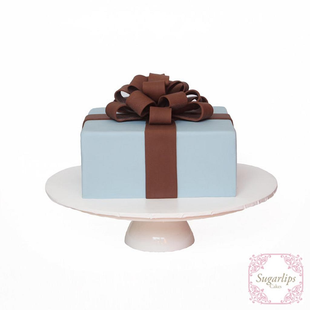 Present Cake by Sugarlips Cakes