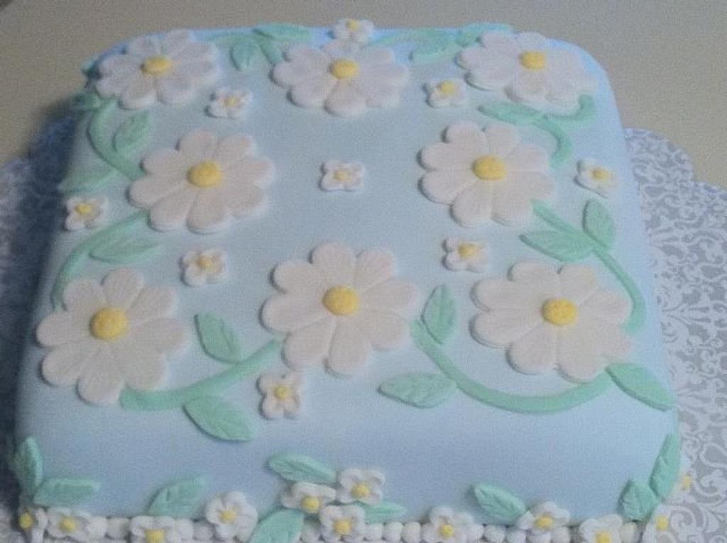 Daisy Cake by Patty Cake's Cakes