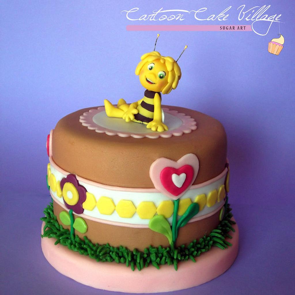 Maya the bee by Eliana Cardone - Cartoon Cake Village