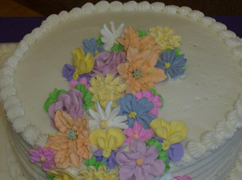 My Grandmothers 82nd Birthday Party by CharmingCakes
