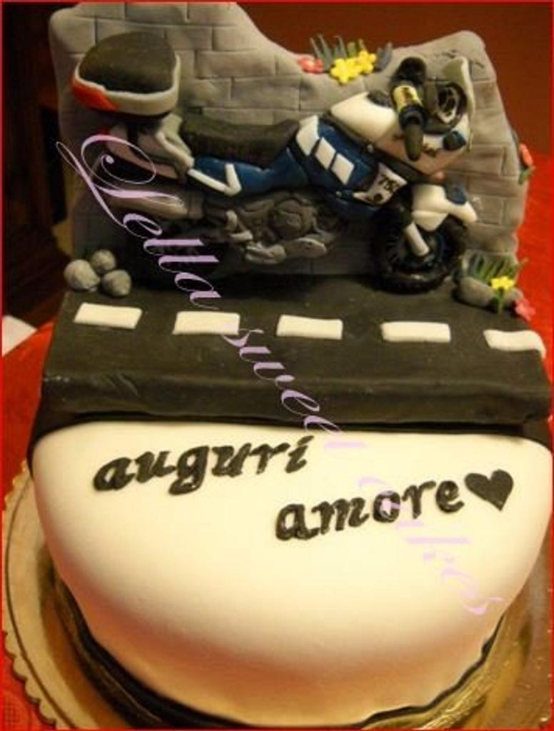 Motorcycle cake by LellaSweetCakes