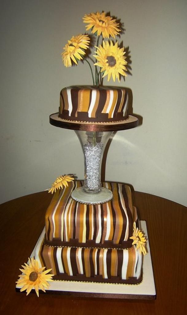 Sun Flower Wedding cake by Fiona Williamson