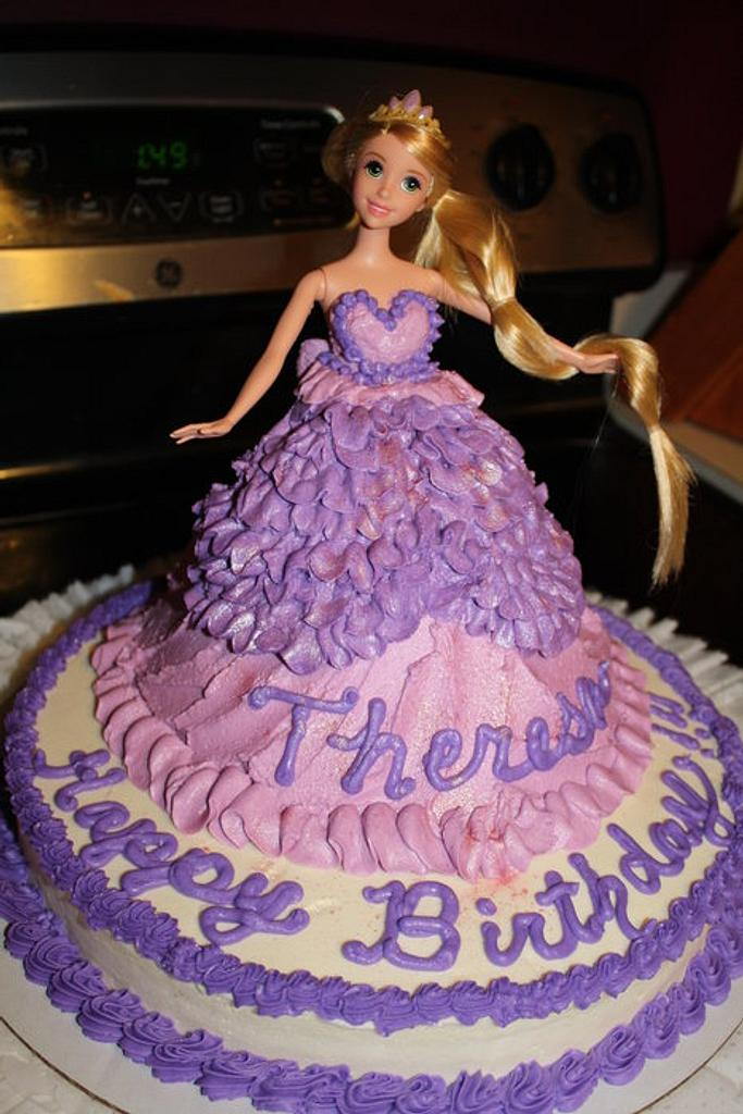 Little Teresa's Birthday cake by Teresa Hastings