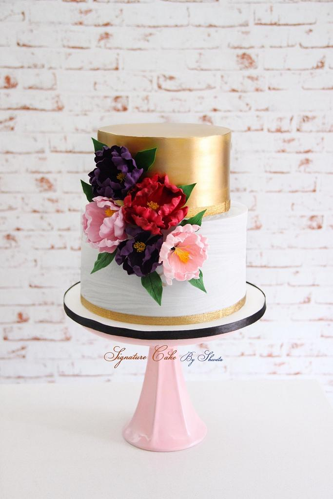 Grey and gold  by Signature Cake By Shweta