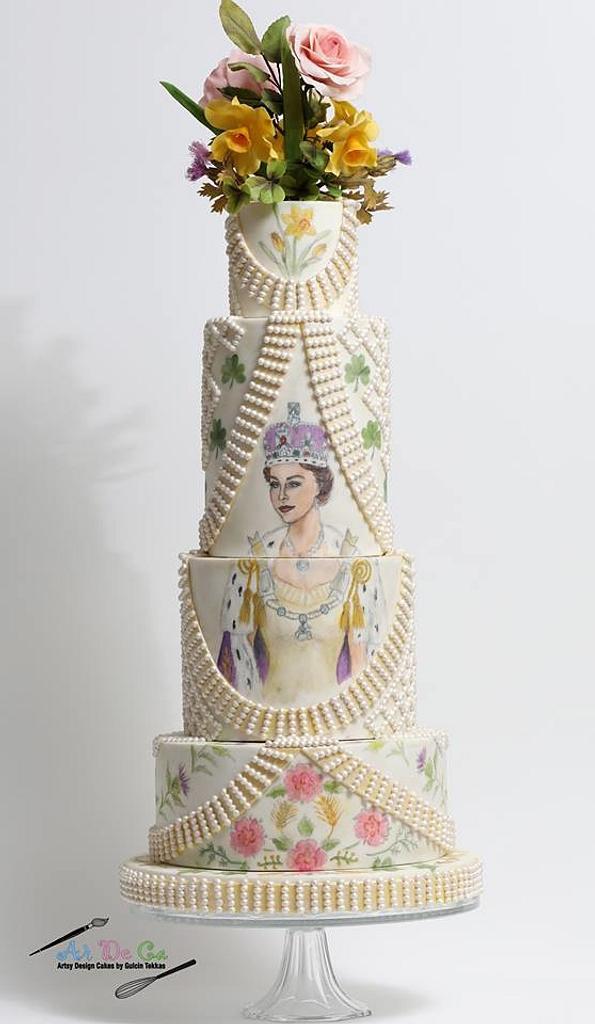 Couture Cakers Int.: Queen Elizabeth II's Coronation Outfit  by Gulcin Tekkas