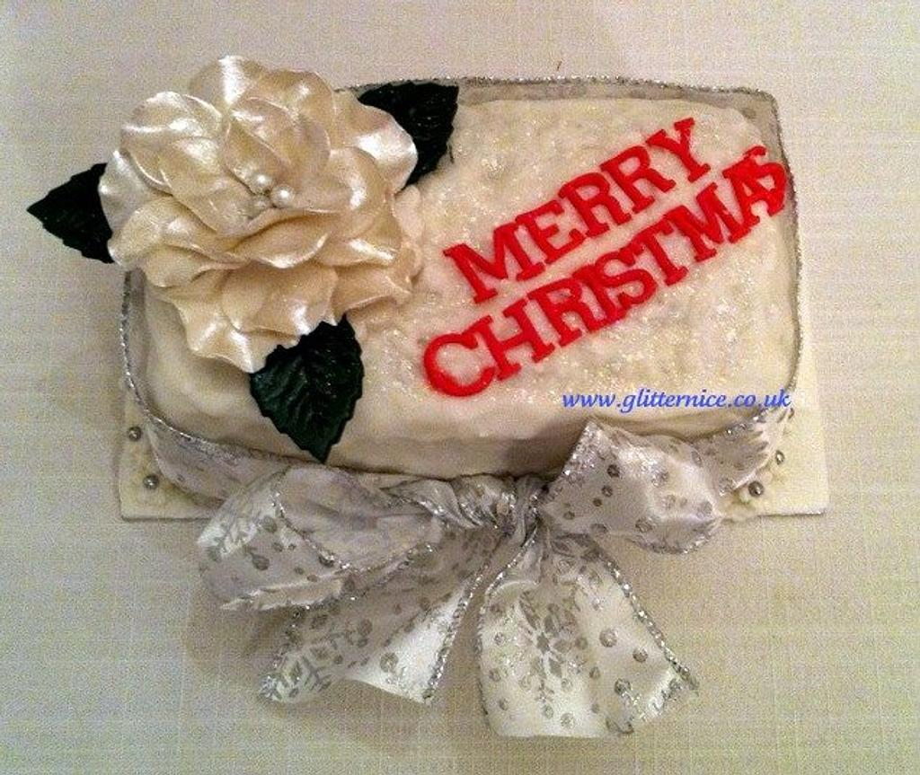 Small Christmas Rose Cake by Alli Dockree