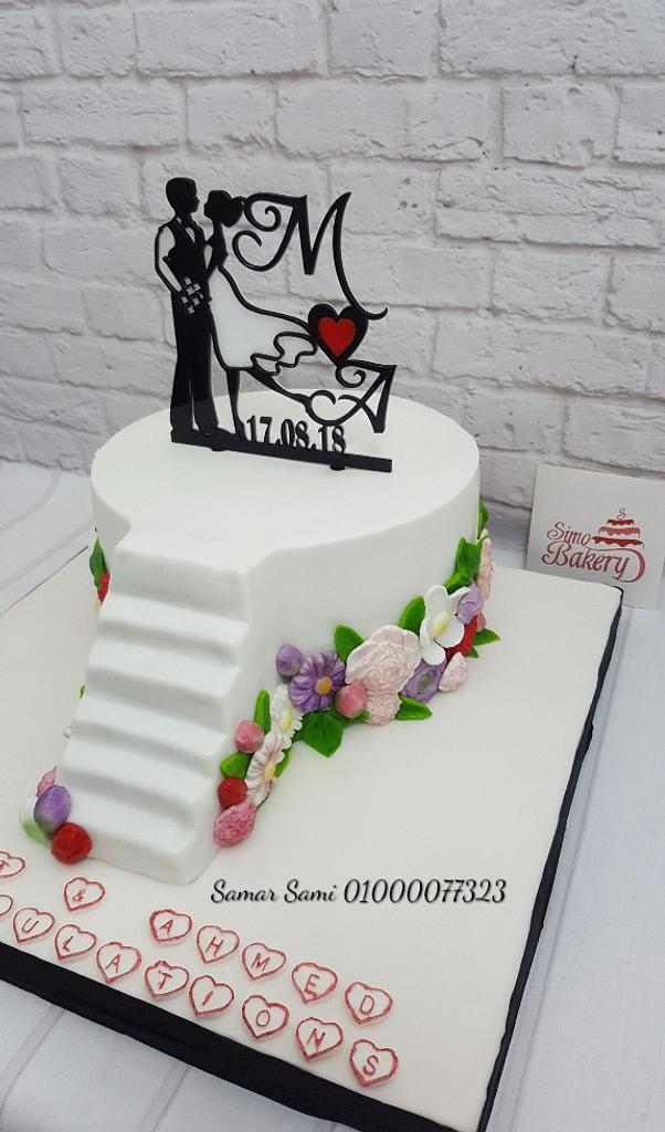 Rose wedding cake by Simo Bakery