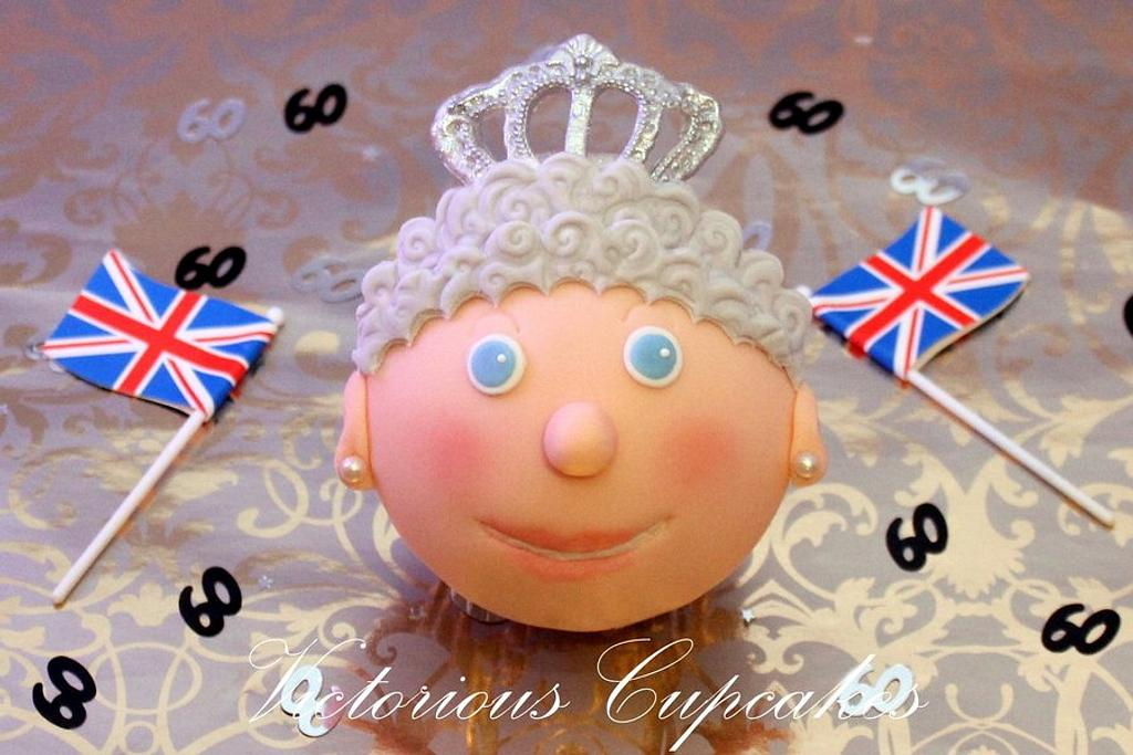 More Diamond Jubilee Cupcakes by Victorious Cupcakes