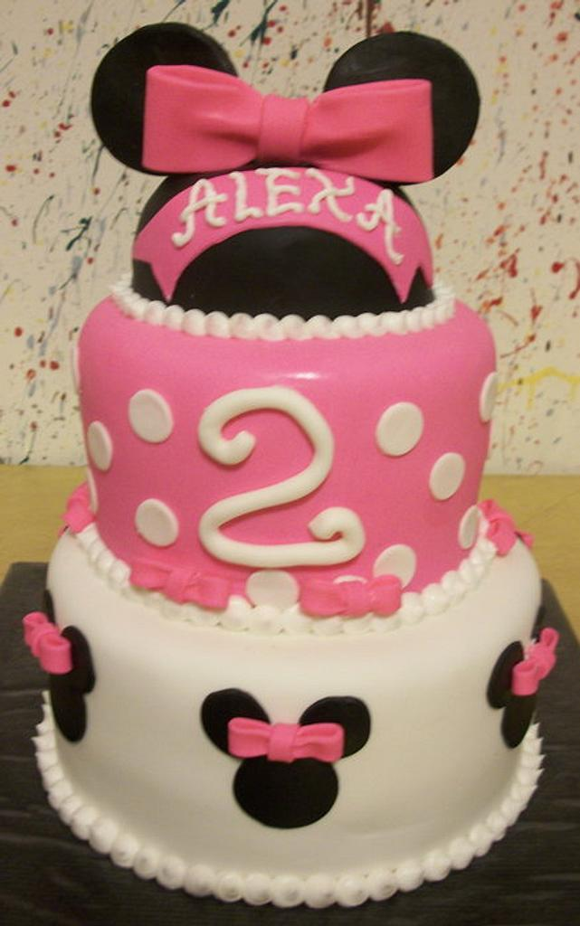 Minnie Mouse Birthday Cake by Tracy's Custom Cakery LLC