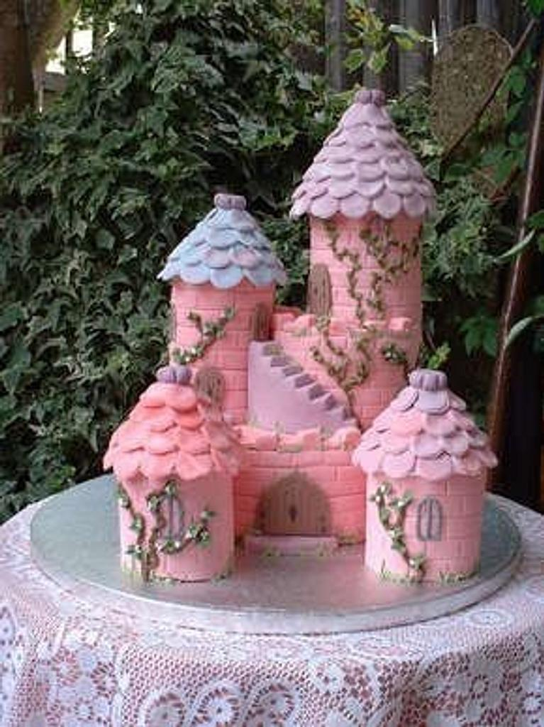 Enchanted Castle by Sandra's cakes