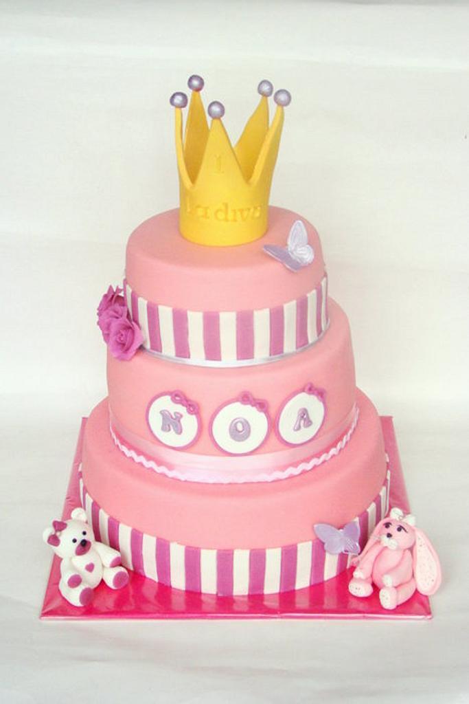 Little Diva cake by verjaardagstaartenbestellen.nl by Linda