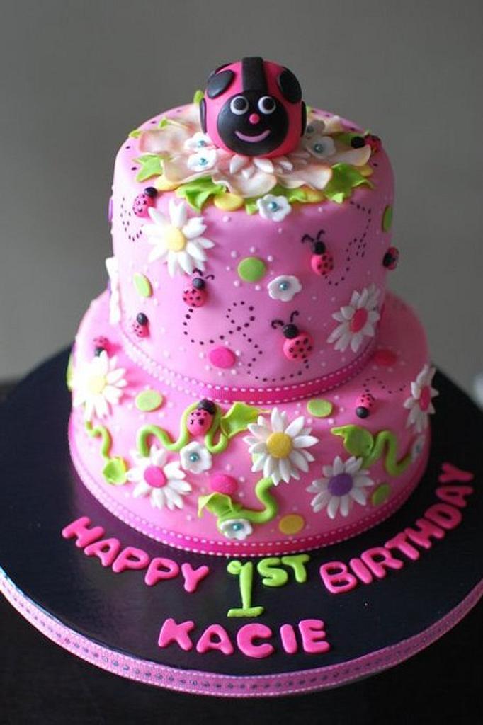 Ladybug Cake by TheSweetFlour