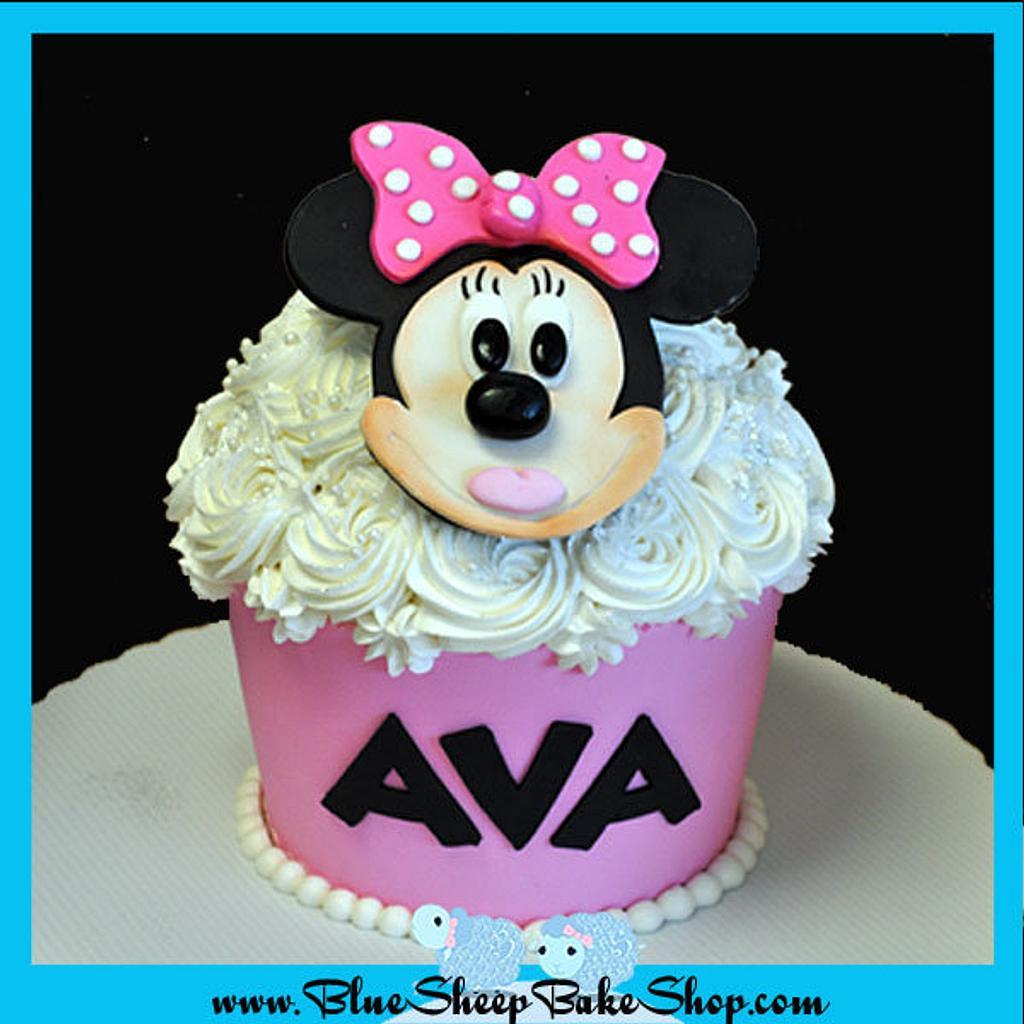 Minnie Mouse Giant Cupcake Cake by Karin Giamella