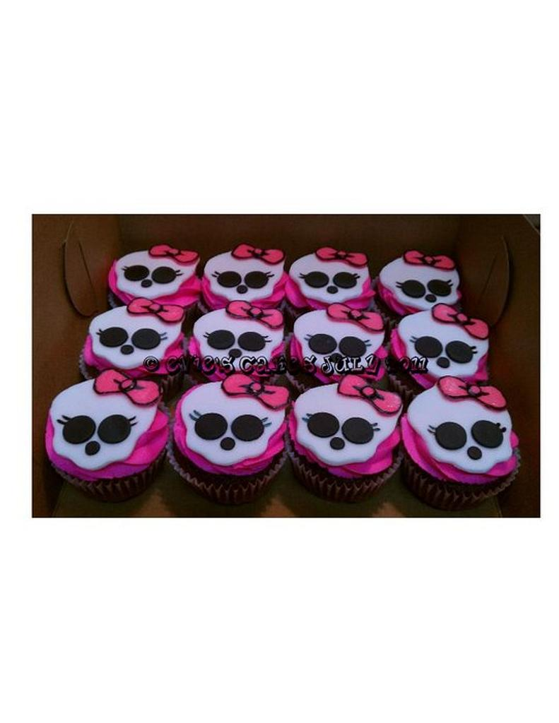 Monster High Cupcakes by BlueFairyConfections