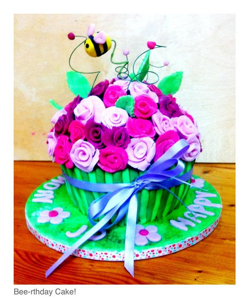 Bee-rthday Cake by TheCookingMonster's Kitchen