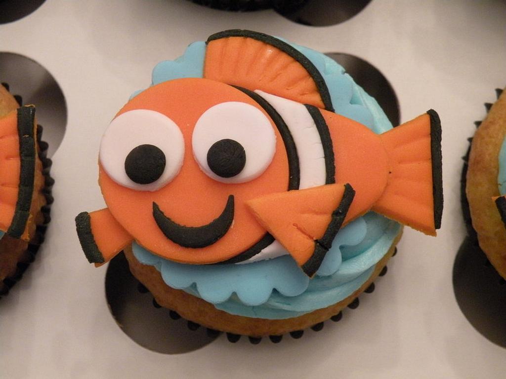 Nemo cupcakes by Dani Johnson