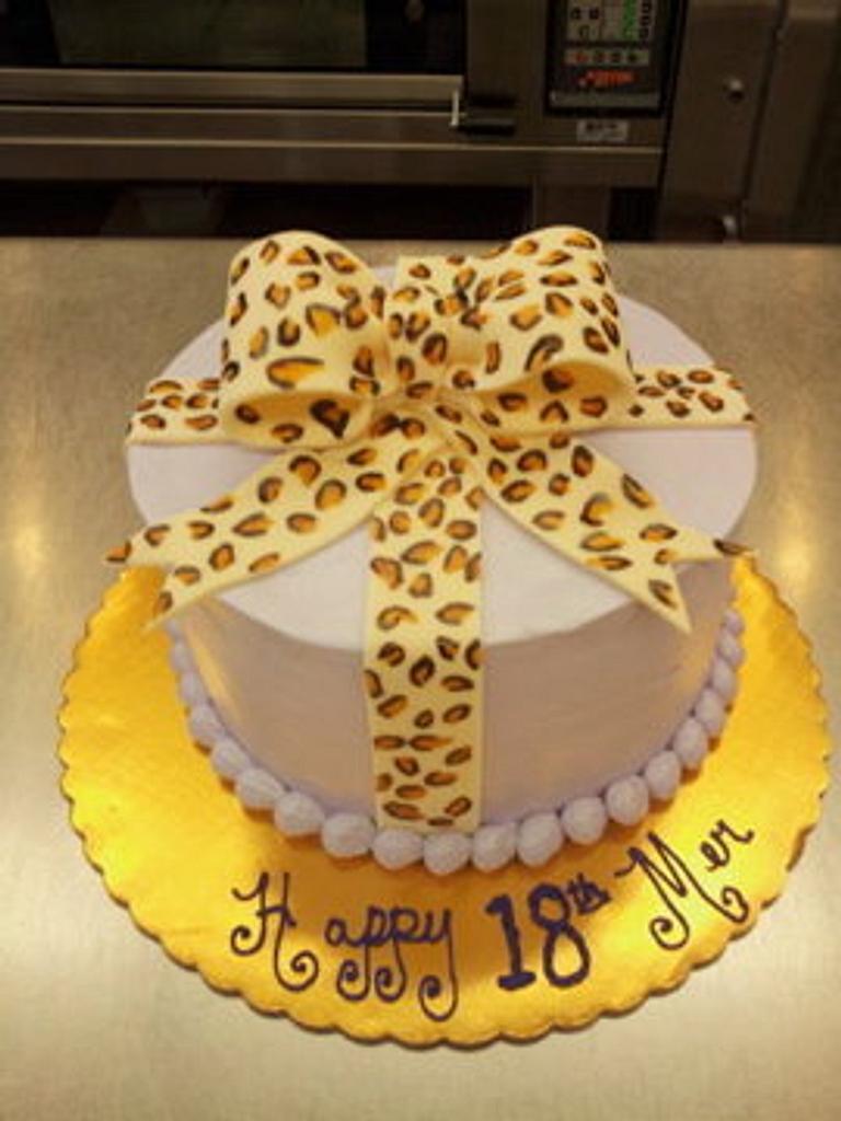 Bow cake by kimbo