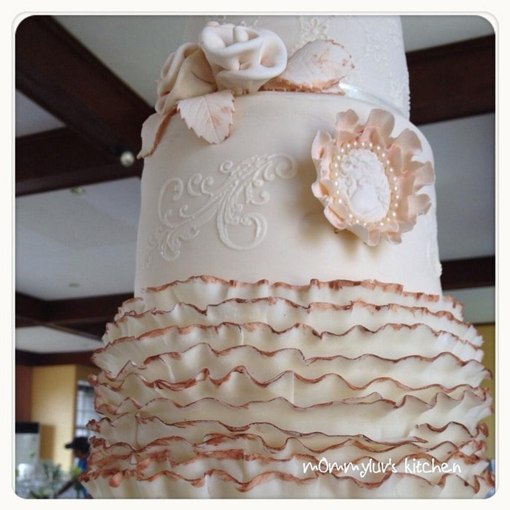Vintage-inspired Wedding by m0mmyluv