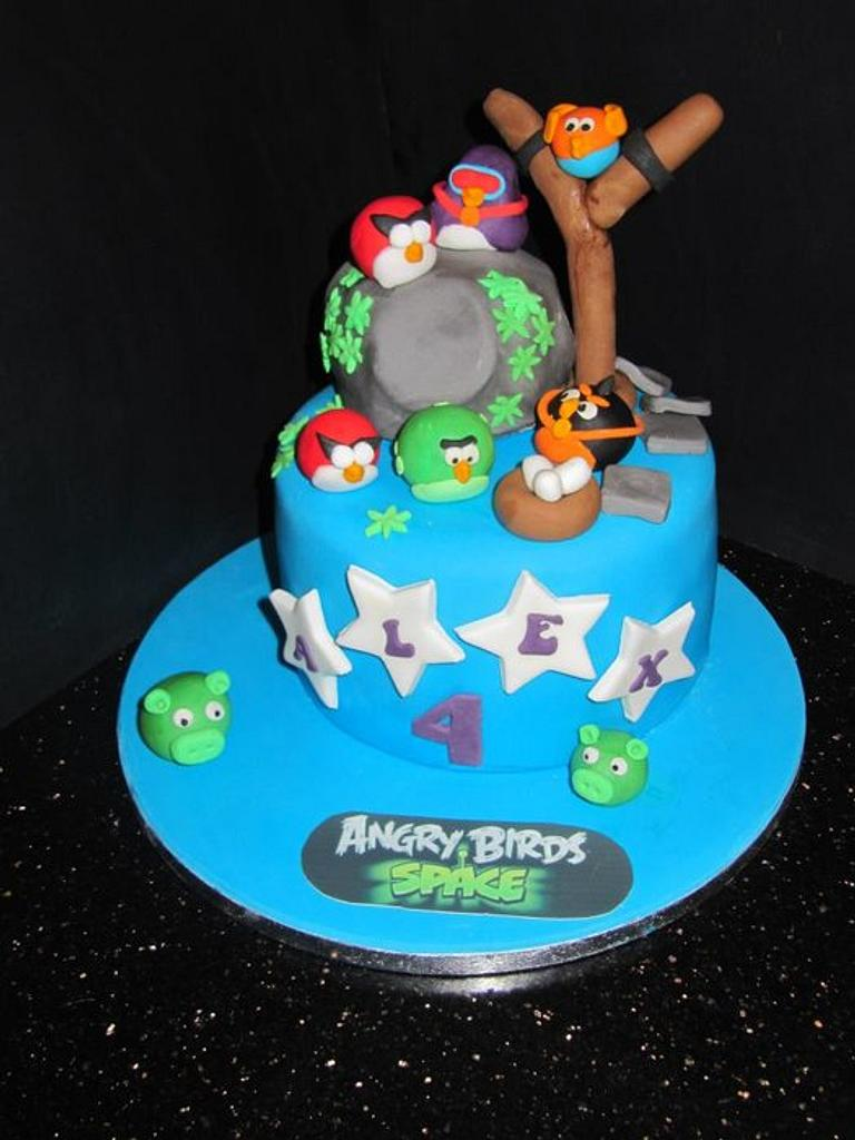 angry birds  by d and k creative cakes