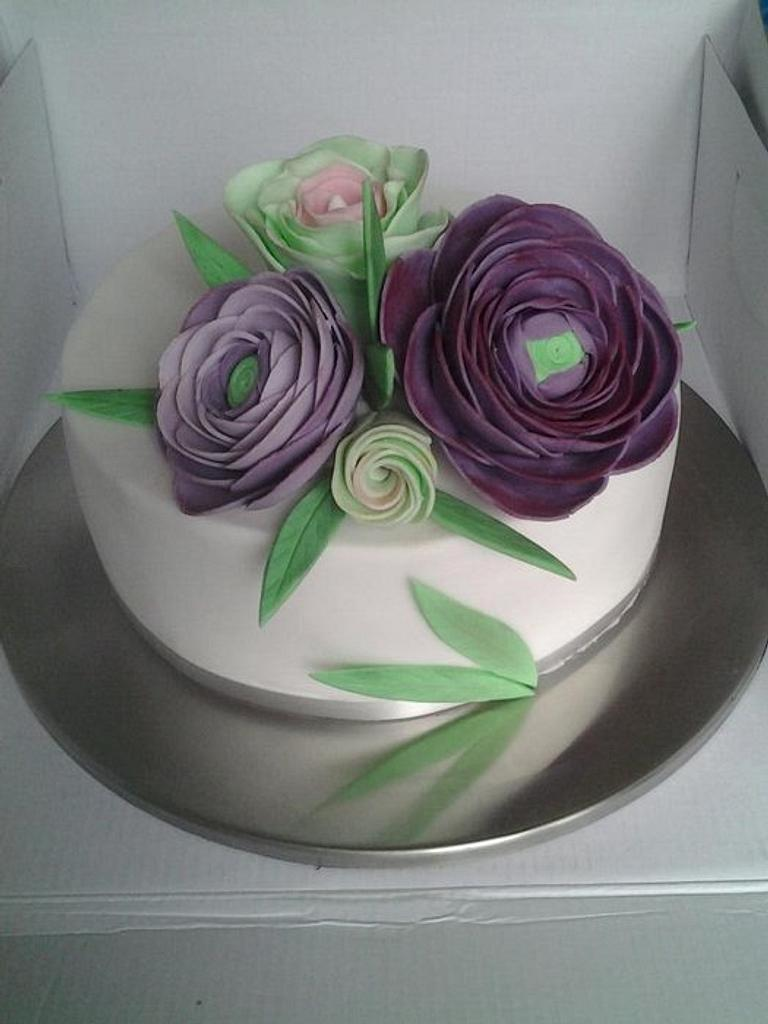 Ranunculus small wedding cake by Manuela's Cake Art Studio