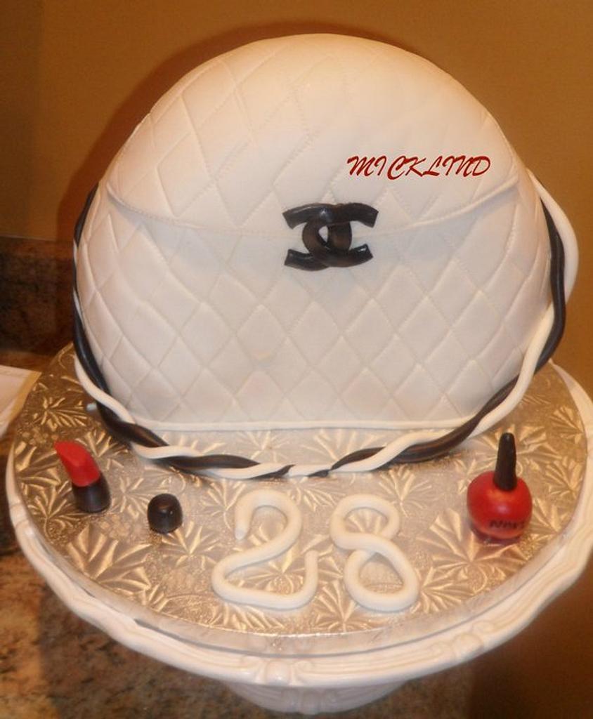 A CHANEL BAG CAKE by Linda