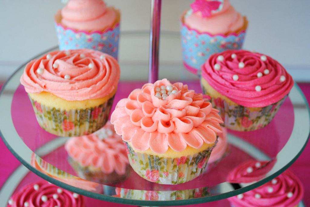 Pretty Cupcakes by Amelia's Cakes