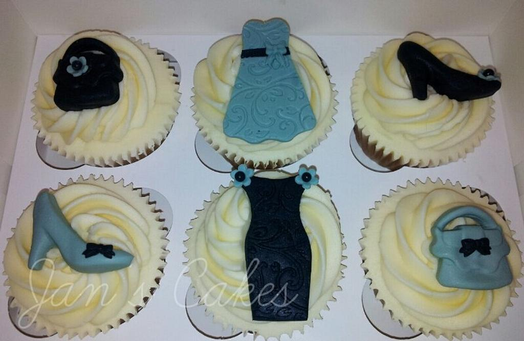 Fashion Cupcakes for a lady by Jan