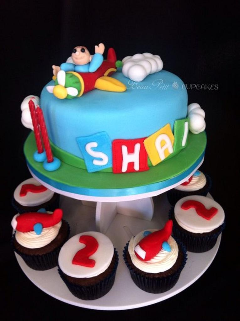 """Shai"" - A little pilot who turned 2 by Beau Petit Cupcakes (Candace Chand)"