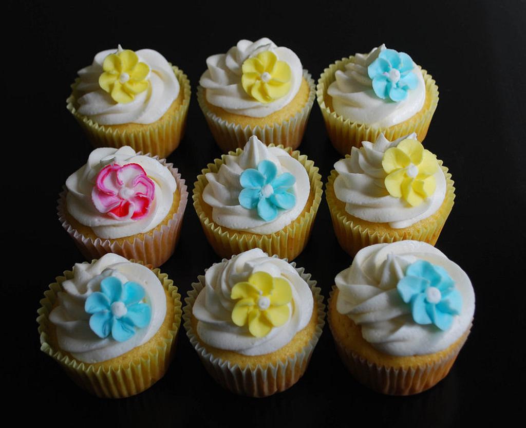 Spring Cupcakes by Karen