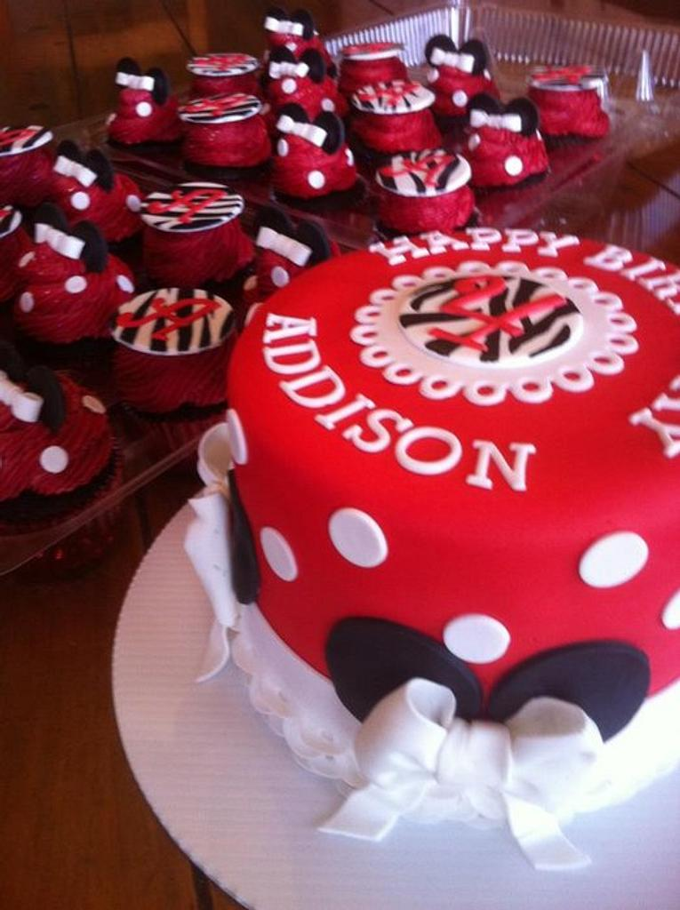 Minnie Mouse Cake and Cupcakes by Kendra