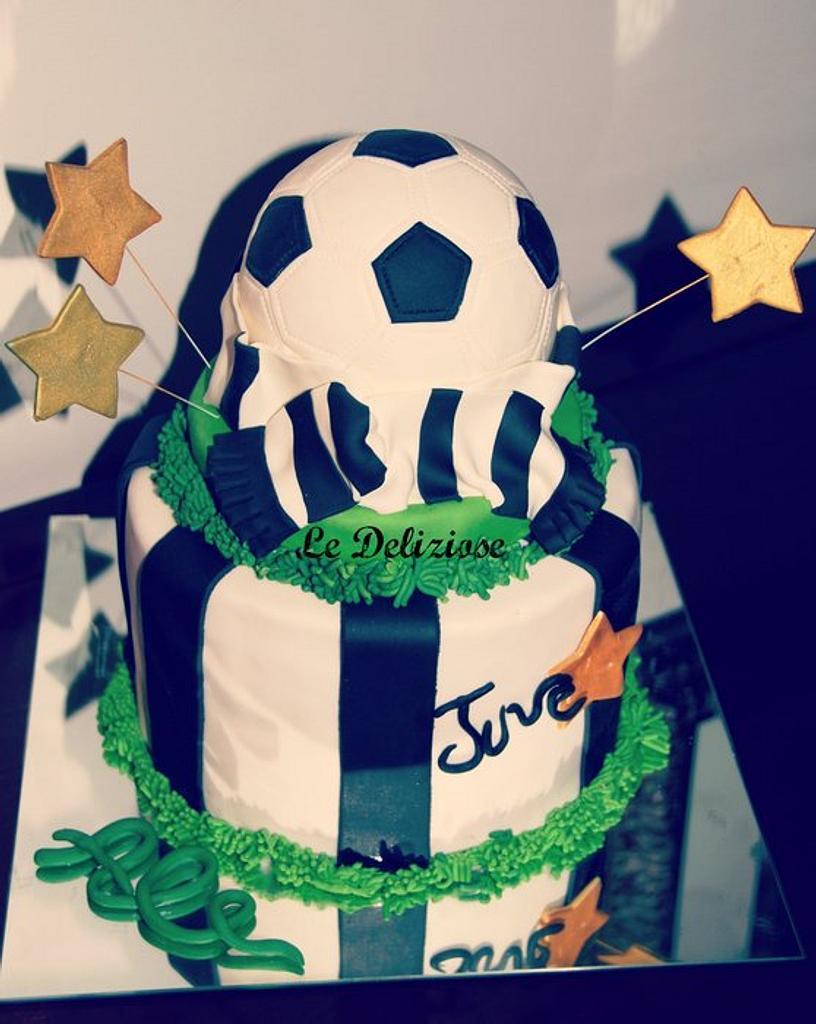 Juventus F.C. cake by LeDeliziose