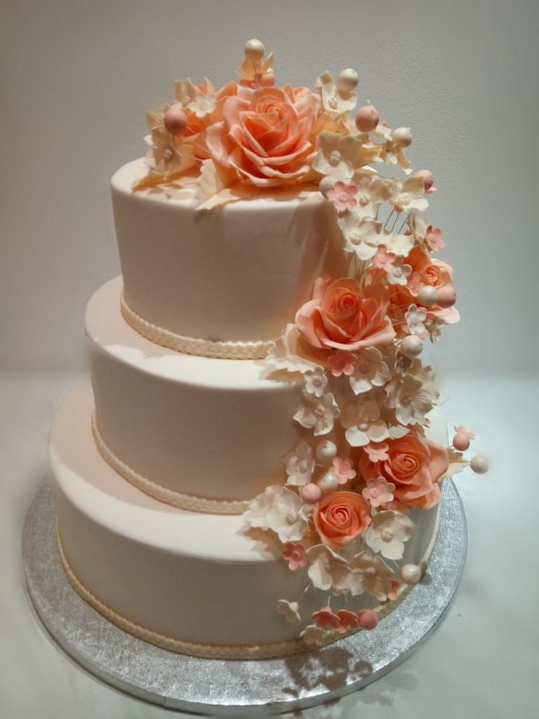 Wedding cake by Caracarla