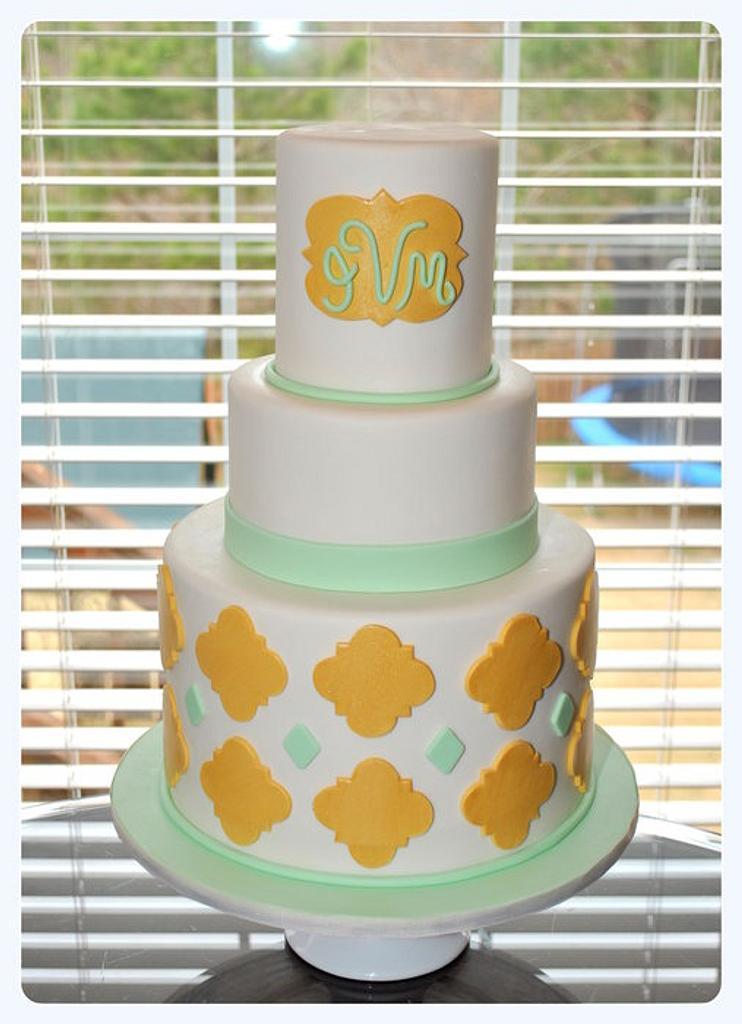 Gold Quatrefoil Cake by Hope Crocker