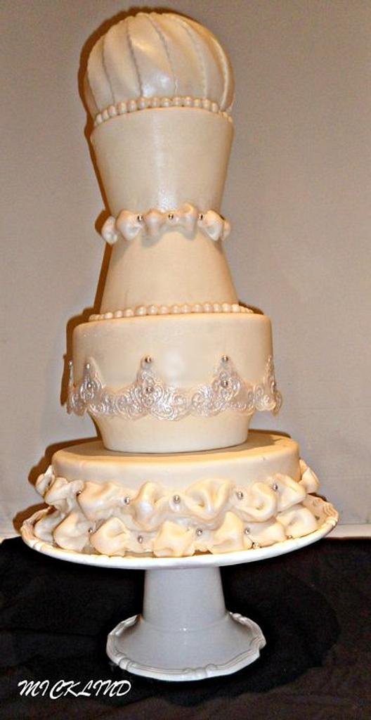 A wedding cake by Linda